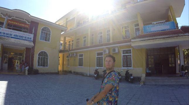 Darren Mc Quaid smiling face in Blind massage Hue center